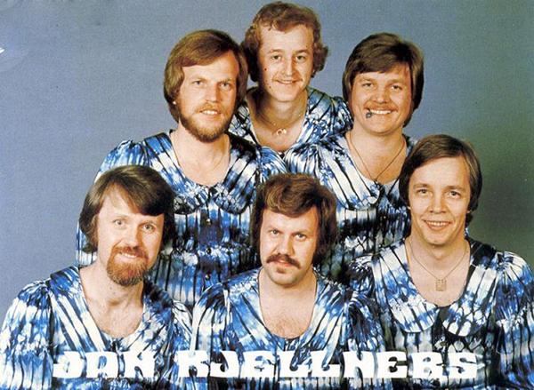 Jan Kjellners - In your mother's housecoat