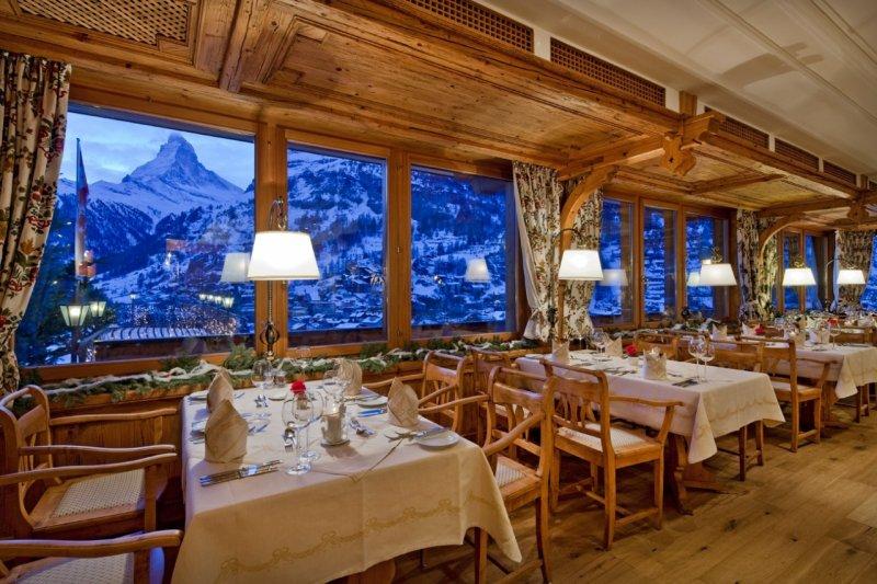 I 10 ristoranti con i panorami migliori delle Alpi? 4 sonosvizzeri